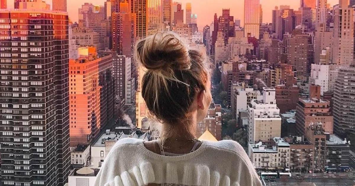 她像我,但卻不是我!致在這城市風景中找尋自己的你