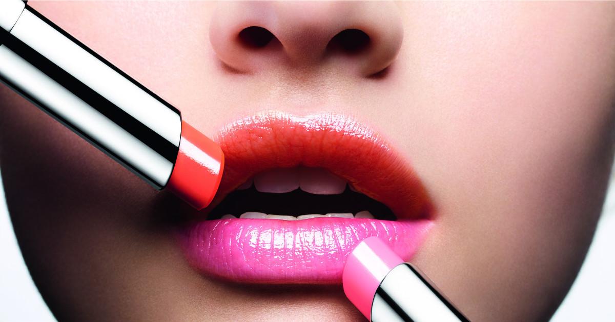 全球每3秒賣出一支,女星們化妝包必備的潤唇神器!Dior癮誘粉漾潤唇膏推出6大粉嫩新色