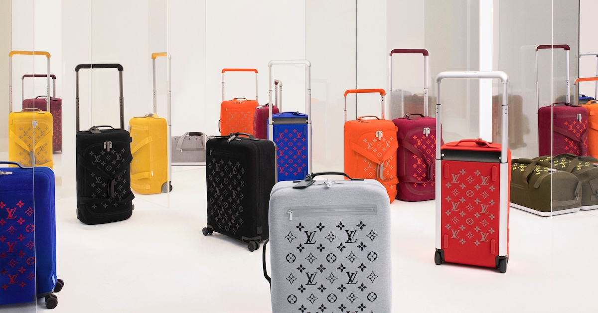LV行李箱找來蘋果設計師操刀?跟上流行色「經典藍」加上老花配色怎麼能不買!