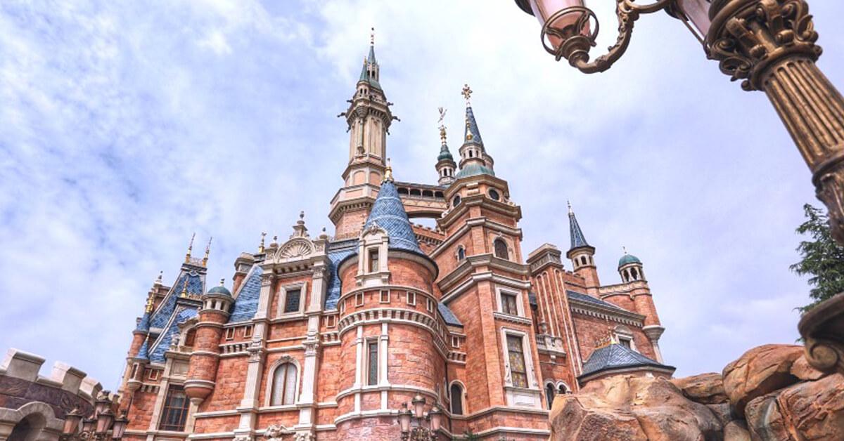 【迪士尼樂園】全球6間迪士尼樂園選哪間?獨家特色、最優惠票價、必玩設施,超貼心比較懶人包大公開
