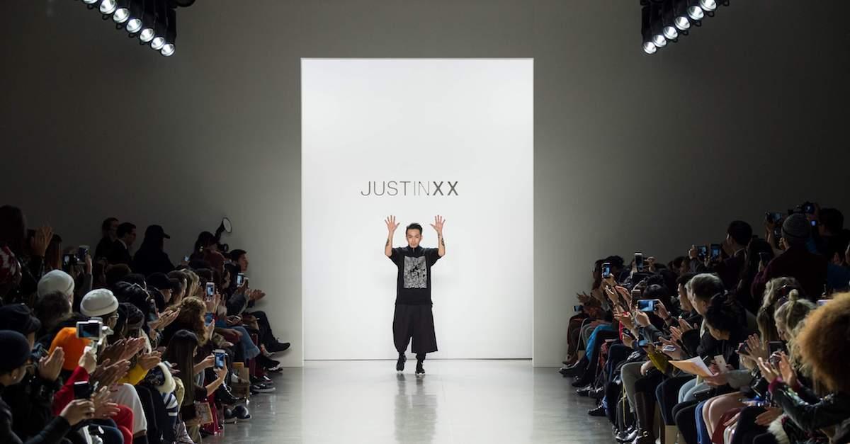 【紐約時裝周】穿越古今的時尚,台灣設計師周裕穎 JUST IN XX 以故宮古物為題將台灣傳統工藝端上時裝周
