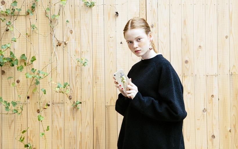 怎麼讓妳愛穿的一身黑是「時髦」而不是「嚴肅」?原來只要靠這 3 招就可以!
