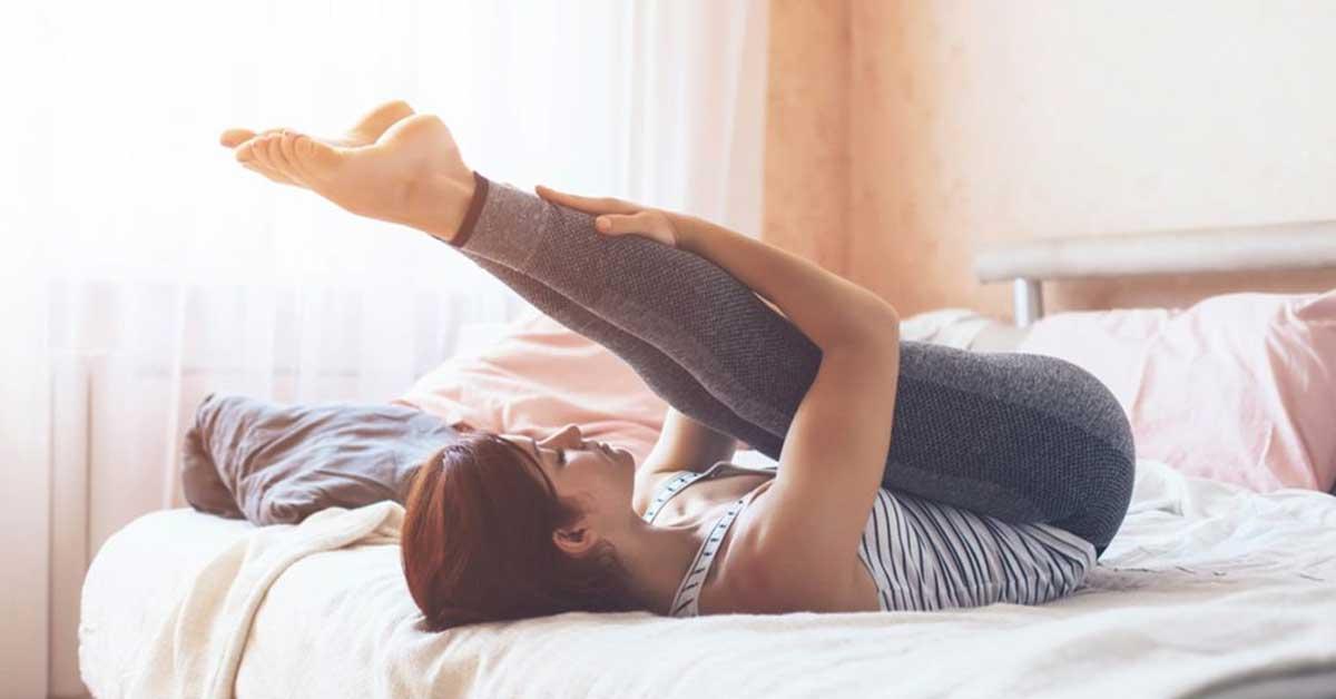 想瘦大腿看這裡!睡前輕鬆做床上減肥操