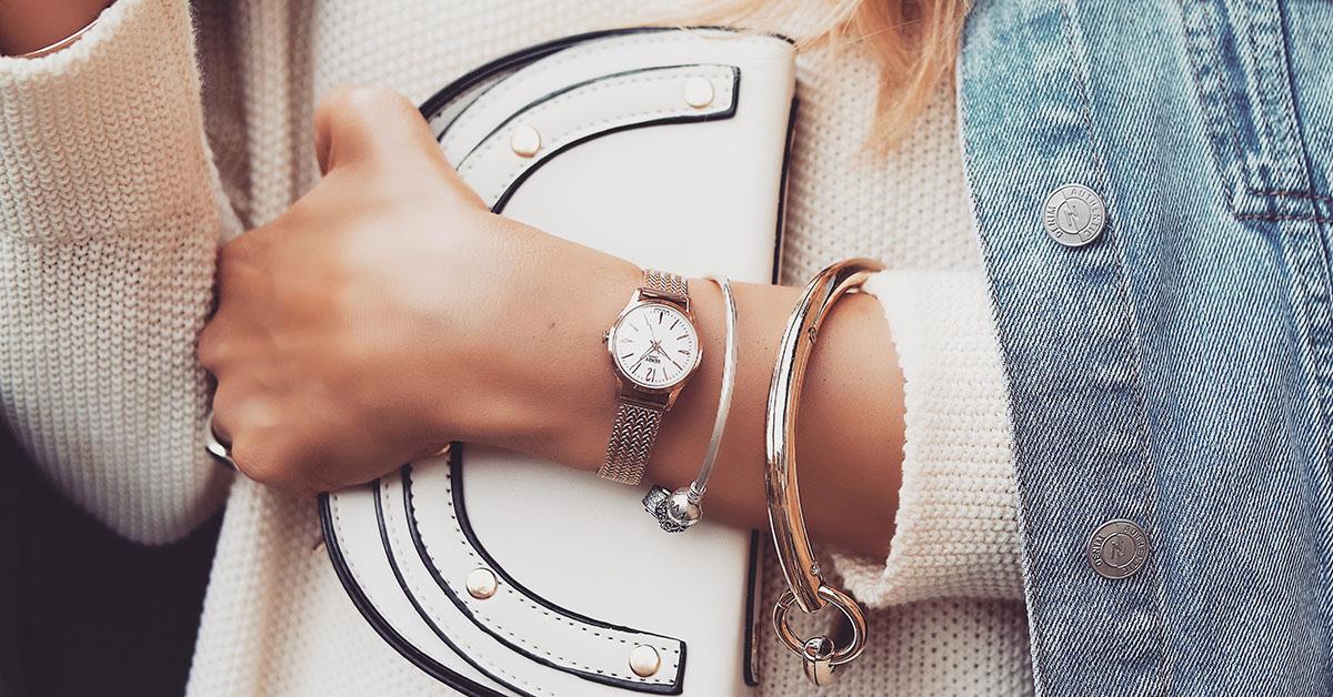 玫瑰金是最襯亞洲膚色的顏色,讓搭配換種方式用這四隻手機也能很時尚