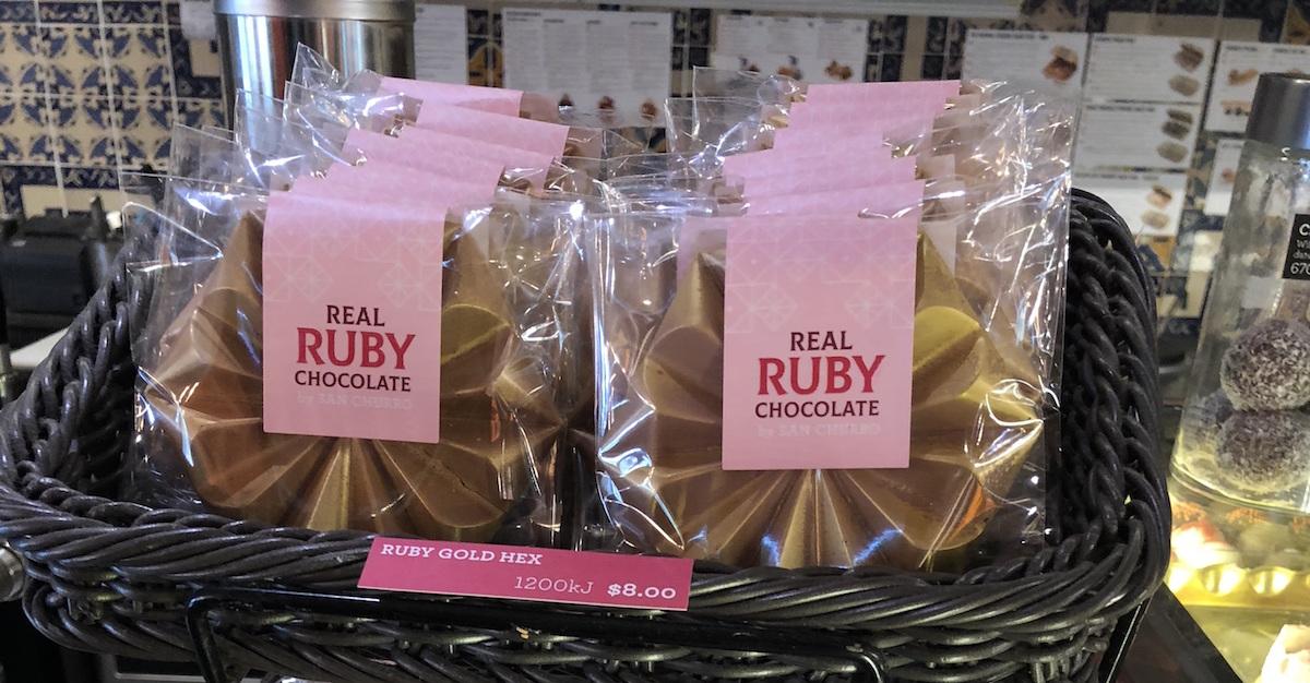 【愛麗絲悠遊世界專欄】最像愛情的第四種粉色Ruby Chocolate紅寶石巧克力