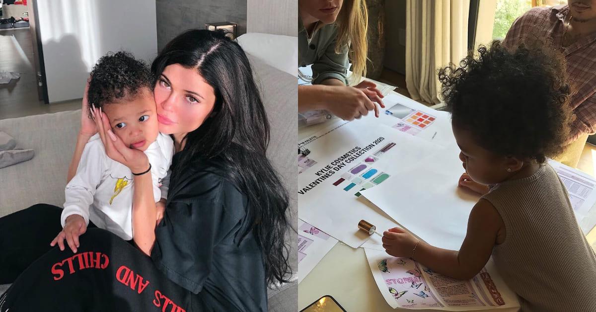 最強網紅Kylie Jenner與僅1歲的女兒推情人節彩妝!年紀小小就能當設計師實在太狂了