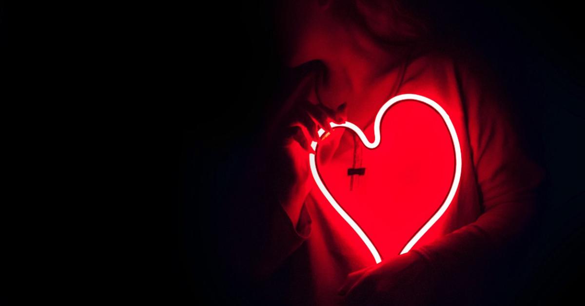 隱藏在家庭暴力背後:我們沒能察覺到的,是施暴者那顆破碎的心。