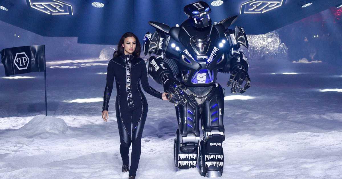 【紐約時裝周】這麼狂不能只有我看到!Philipp Plein 2018秋冬大秀用「超大機器人」當開場模特兒震撼全場