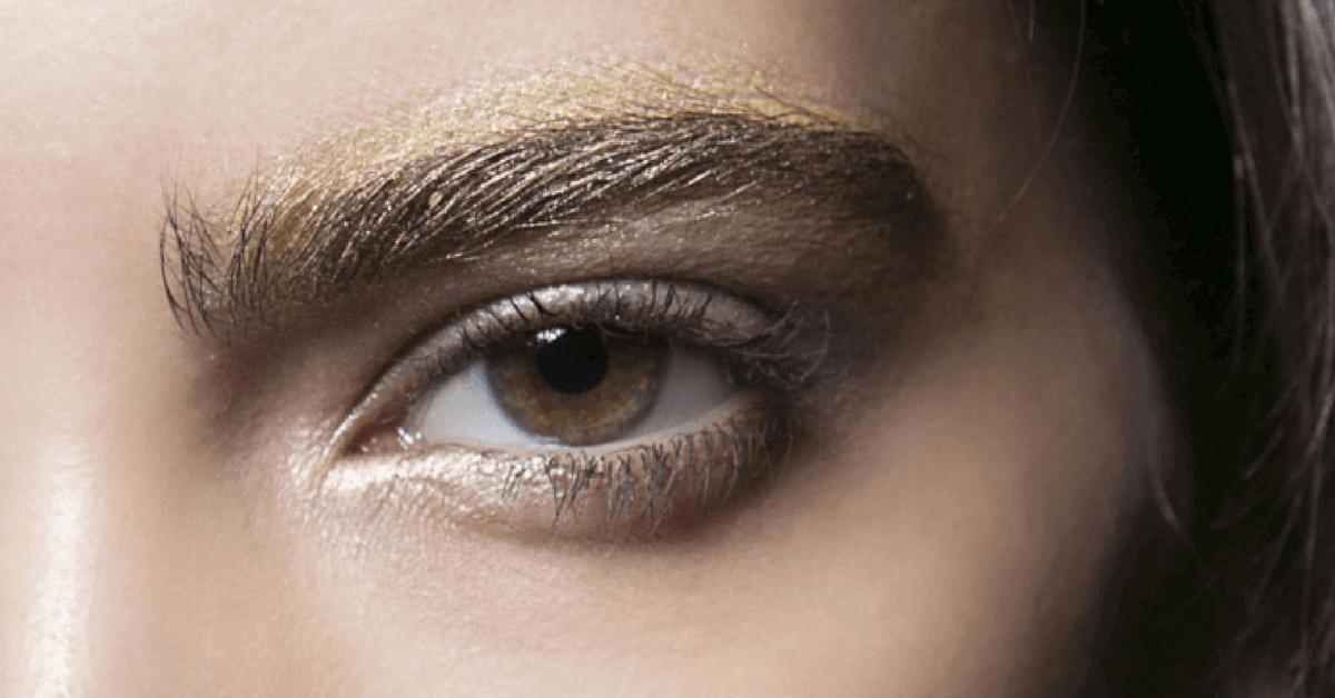 黃金時代即將來臨?歐美瘋「金色系眉毛」 今年聖誕過年就這樣畫!