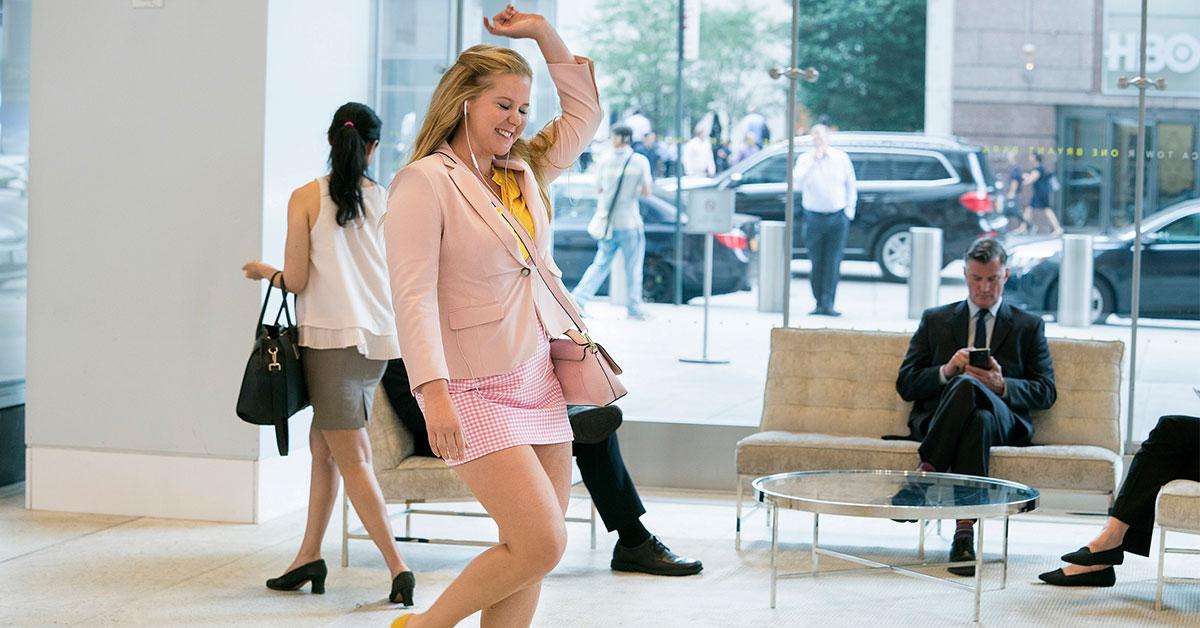 真正的美不只是外表!《姐就是美》艾米舒默詮釋現代職場女性心境