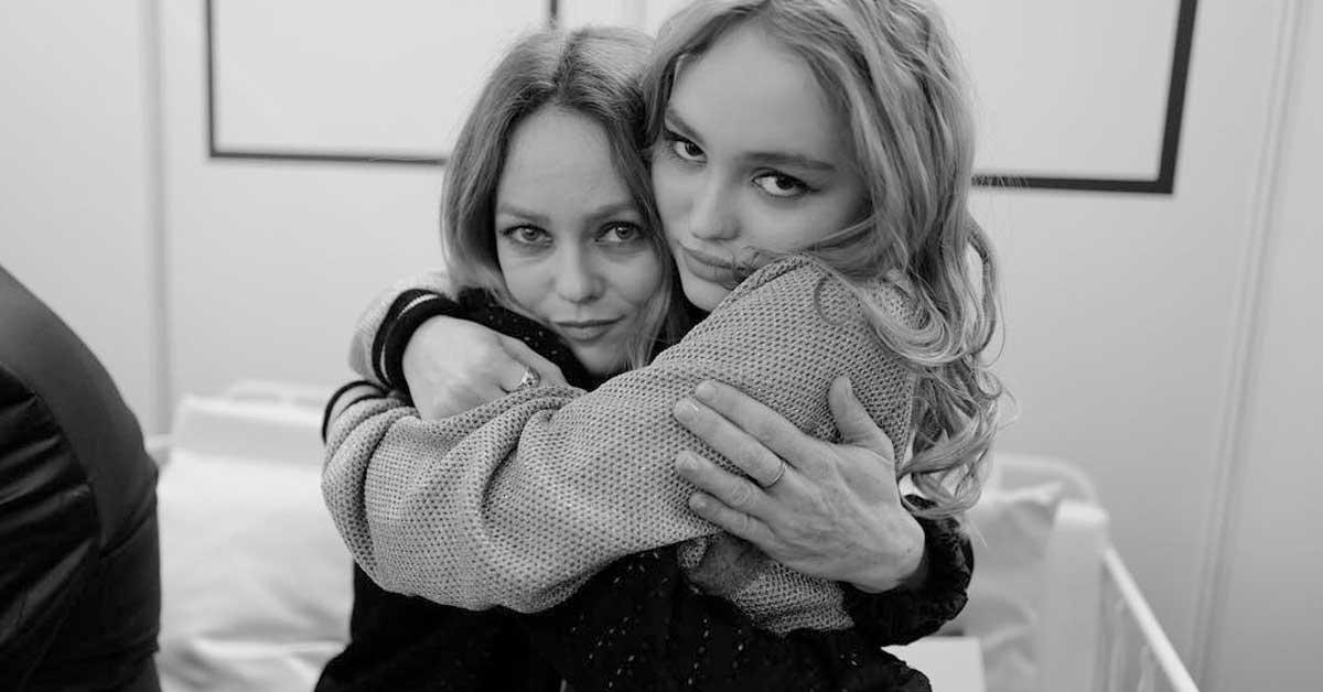 瑞絲薇絲朋母女像姊妹!這些「好萊塢親子檔」比夫妻還閃
