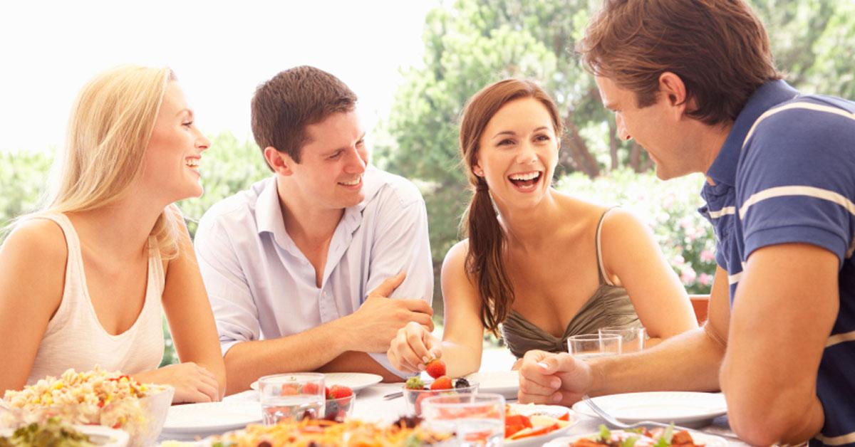 從「吃飯方式」看出潛在個性!愛把食物「拌在一起」的人人緣較好?快看你是哪一種