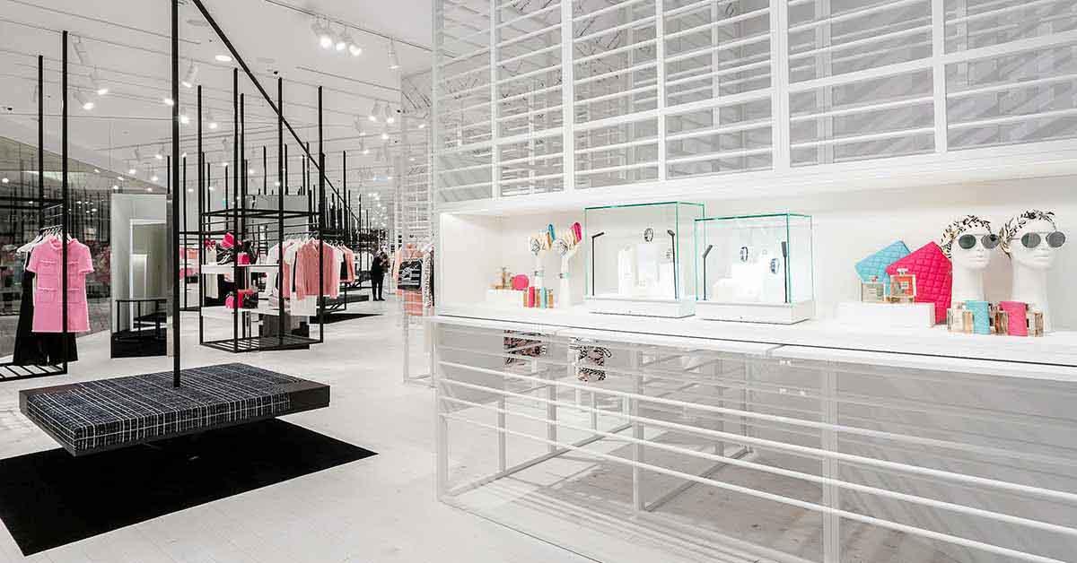(7) 信義新光A9香奈兒限時概念店獨步全球曝光,從裡到外的裝設,有別於一般百貨中的品牌專賣店。