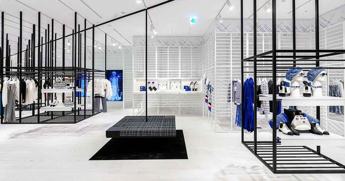 (1) 信義新光A9香奈兒限時概念店獨步全球曝光,從裡到外的裝設,有別於一般百貨中的品牌專賣店。