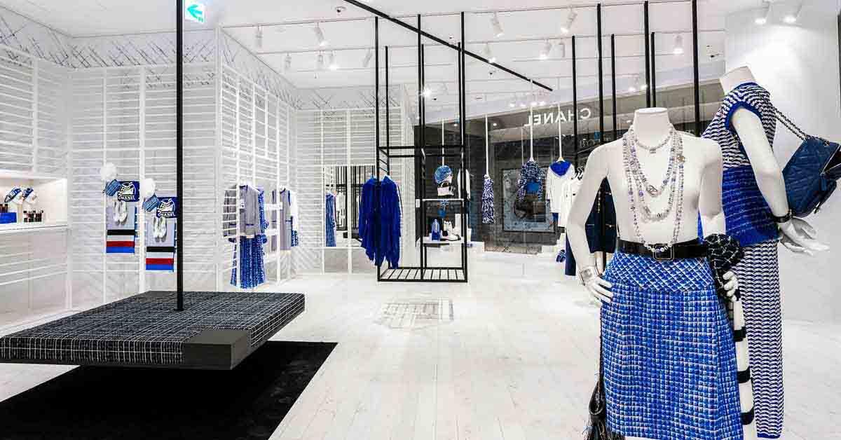 (3) 信義新光A9香奈兒限時概念店獨步全球曝光,從裡到外的裝設,有別於一般百貨中的品牌專賣店。