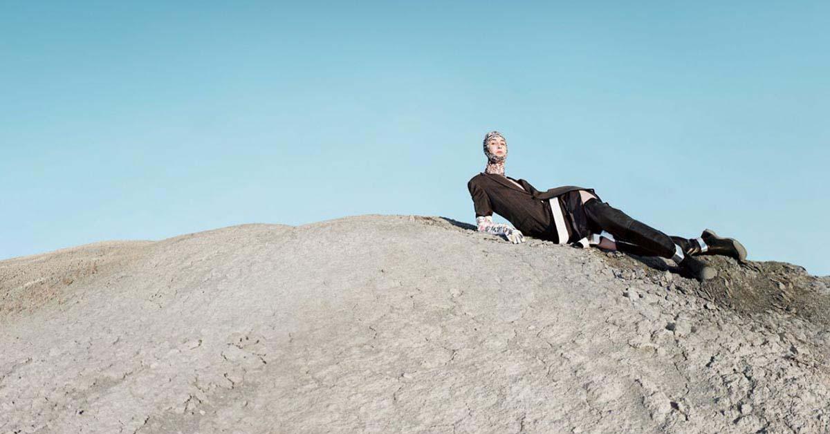 (3) Raf Simons上任後便大刀闊斧改革Calvin Klein整個品牌風格,連每一季的廣告也不例外。