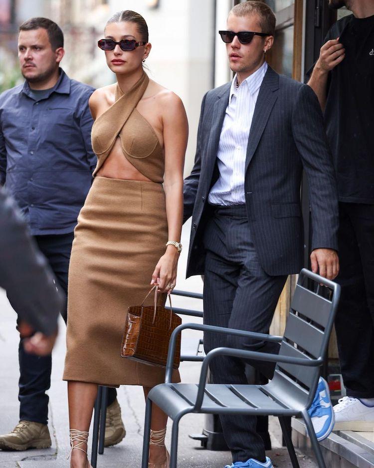 小賈夫妻會見法國總統衣著掀熱議!海莉手提鱷魚壓紋包網路被問翻,價格揭曉讓你失心瘋-0