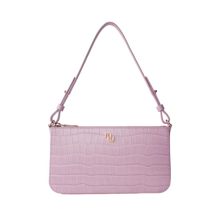 2021「粉色包包」推薦Top25!LV、BV、Celine ... 石英粉、珊瑚粉到櫻花粉紅全都包,Gucci「Diana」準備再掀竹節包風潮-24