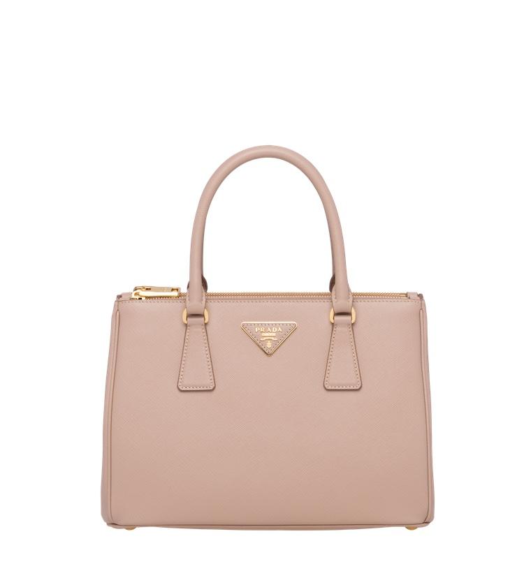 2021「粉色包包」推薦Top25!LV、BV、Celine ... 石英粉、珊瑚粉到櫻花粉紅全都包,Gucci「Diana」準備再掀竹節包風潮-13