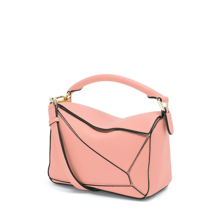 2021「粉色包包」推薦Top25!LV、BV、Celine ... 石英粉、珊瑚粉到櫻花粉紅全都包,Gucci「Diana」準備再掀竹節包風潮-6