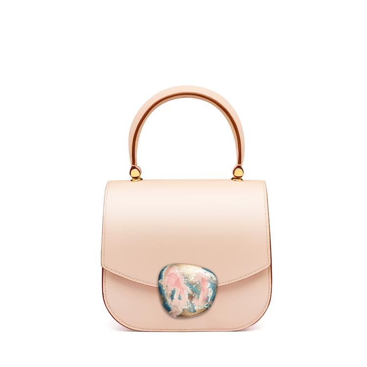 2021「粉色包包」推薦Top25!LV、BV、Celine ... 石英粉、珊瑚粉到櫻花粉紅全都包,Gucci「Diana」準備再掀竹節包風潮-12