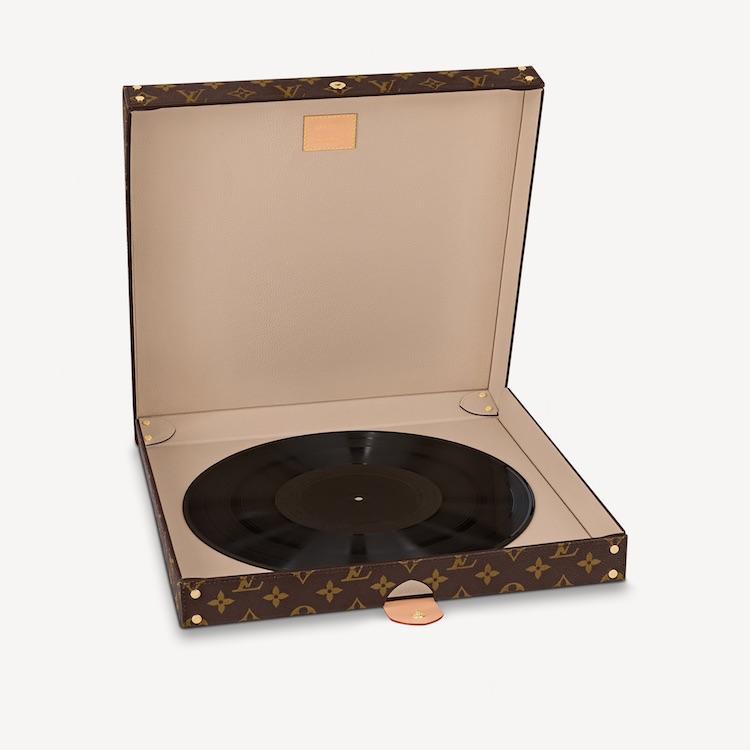 LV老花 Pizza盒飆破6萬元?咖啡杯、飛機設計後再出奇招,「天價」外帶餐盒讓全世界男女都瘋搶-4