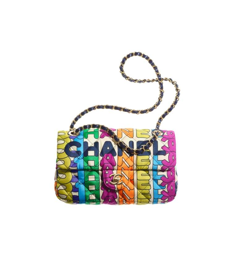 Chanel秋冬購物清單!絨毛小圓包、獨角獸粉11.12全都美翻天!這款「粉餅包」連專櫃小姐都搶著要!-1