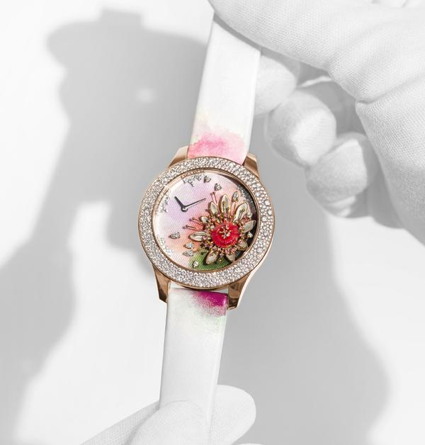 腕錶推薦「白色系」Top 13!chanel、cartier、tiffany到hermès…時髦ol絕對值得入手-8
