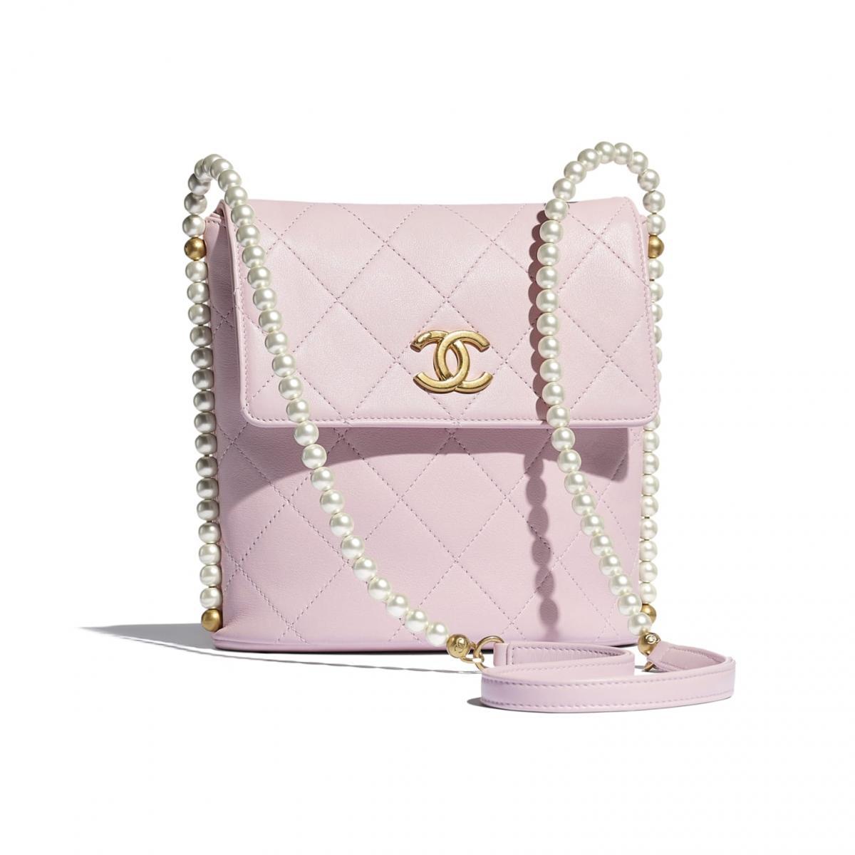2021年Chanel春夏包包「寶寶粉」推薦這8款!水桶包、圓餅包 、零錢包 .....19口蓋包有錢不一定買的到-0