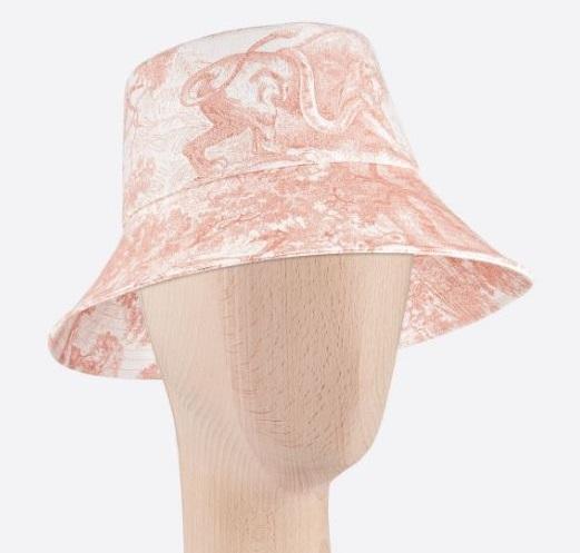 「漁夫帽」最修飾臉型!從「花色、材質、品牌」精準下手,6款2020年夏季人氣款一次看-5