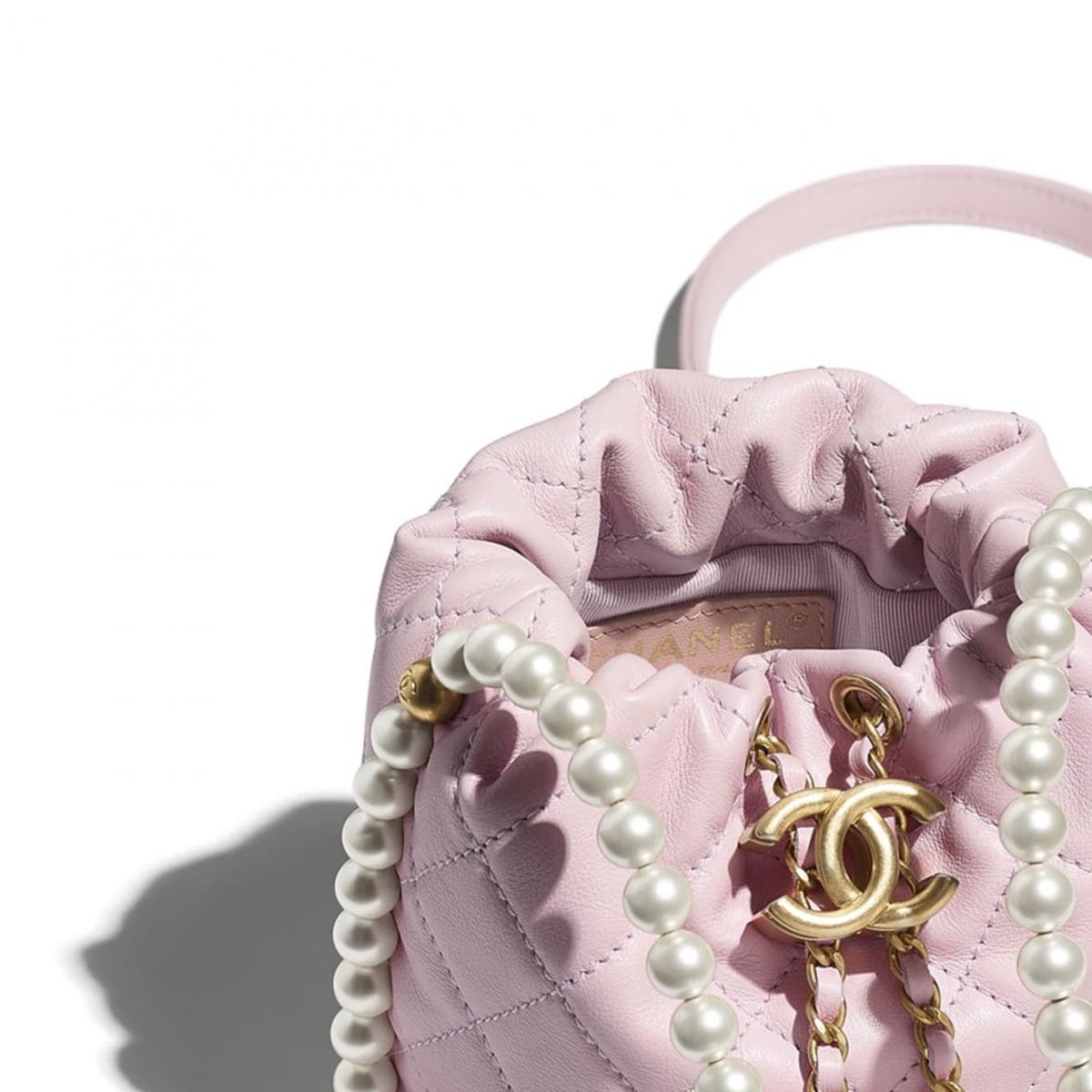 Chanel水桶包也要有「珍珠」!稜格紋、雙C Logo、粉色 ,2021女孩最想要的包就是它!-2
