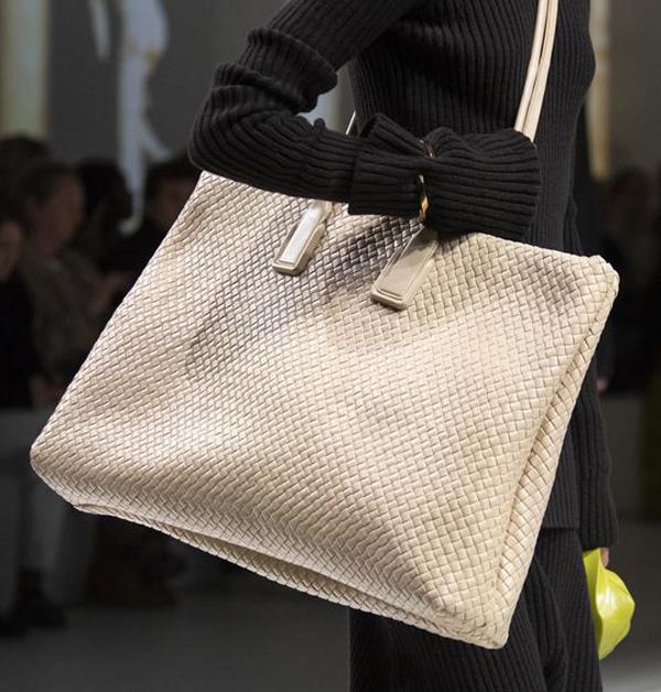 2020「托特包」Top 5新款推薦!LV、Dior、BV...尺寸要大還要好看!-2