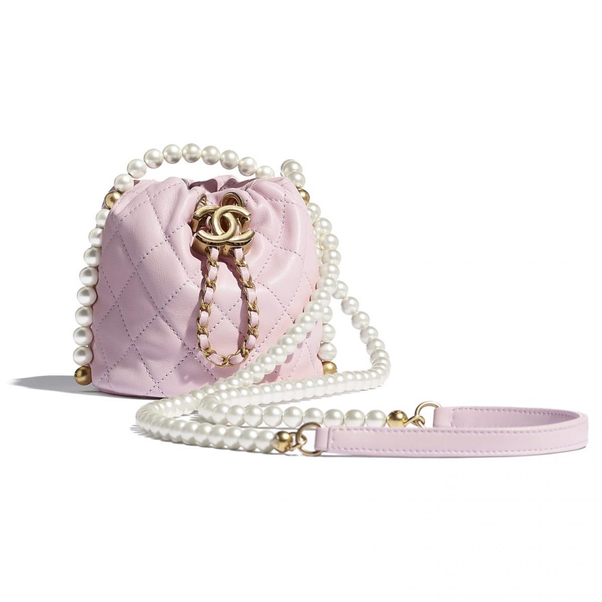 2021年Chanel春夏包包「寶寶粉」推薦這8款!水桶包、圓餅包 、零錢包 .....19口蓋包有錢不一定買的到-2