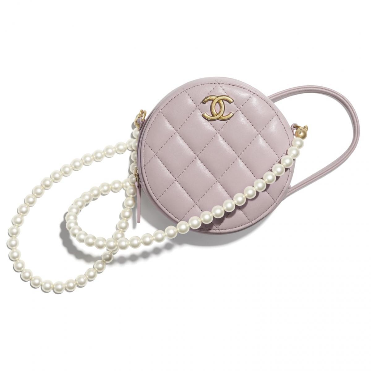 2021年Chanel春夏包包「寶寶粉」推薦這8款!水桶包、圓餅包 、零錢包 .....19口蓋包有錢不一定買的到-5