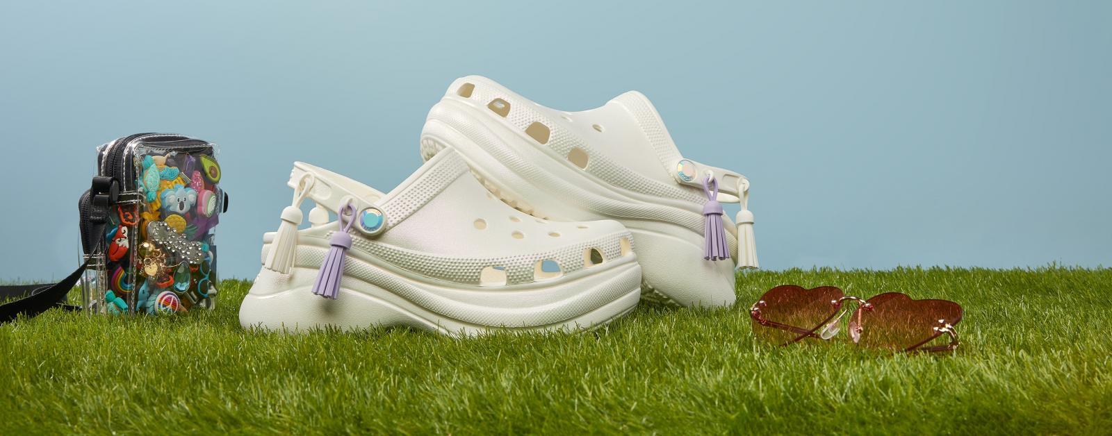 Crocs鞋推薦5樣「內行人精選款」!紫羅蘭色圈粉小賈斯汀,打牌添好運要穿「麻將鞋」-2