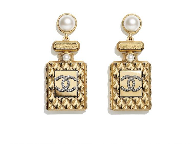 Chanel耳環也斷貨!水滴珍珠、迷你香水、經典Logo,工坊系列珠寶太搶手!-4