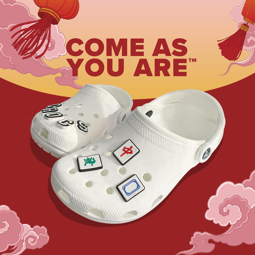 Crocs鞋推薦5樣「內行人精選款」!紫羅蘭色圈粉小賈斯汀,打牌添好運要穿「麻將鞋」-3