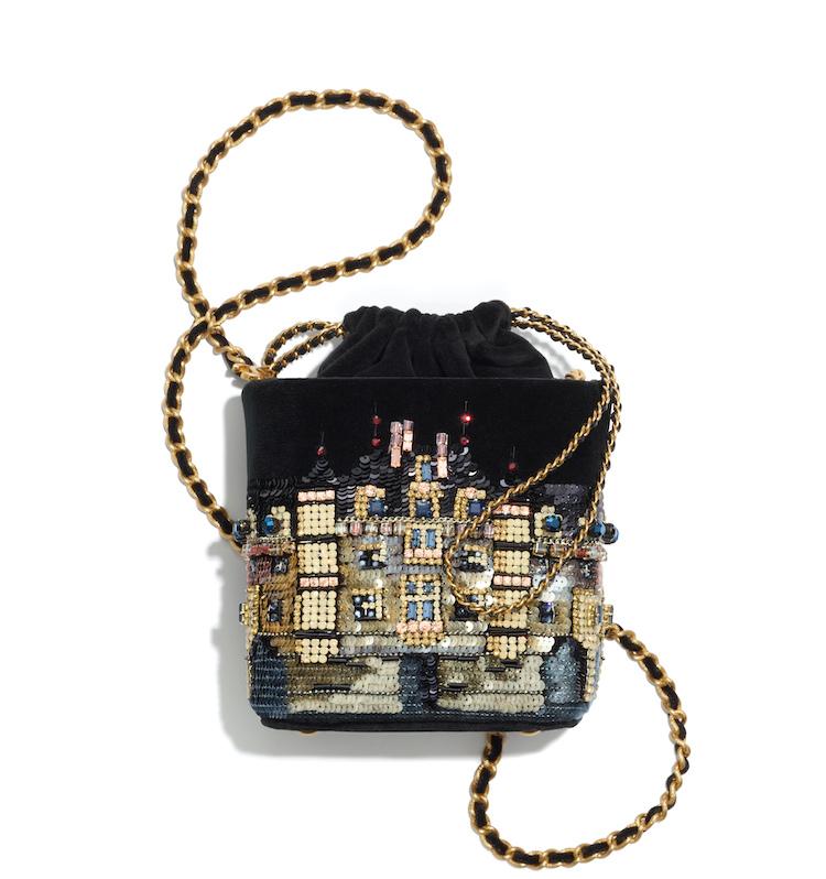 2021Chanel工坊系列包包推薦Top 10!珍珠提把包、黑白格紋11.12、鏈帶包...櫃上小姐也想留給自己-6