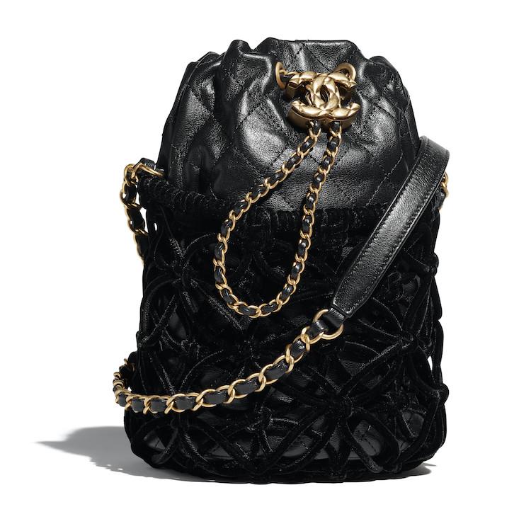 2021Chanel工坊系列包包推薦Top 10!珍珠提把包、黑白格紋11.12、鏈帶包...櫃上小姐也想留給自己-5