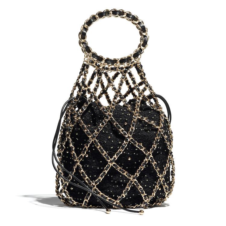 2021Chanel工坊系列包包推薦Top 10!珍珠提把包、黑白格紋11.12、鏈帶包...櫃上小姐也想留給自己-8