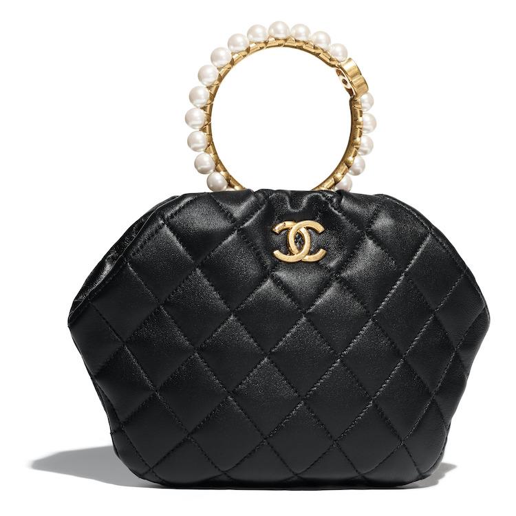 2021Chanel工坊系列包包推薦Top 10!珍珠提把包、黑白格紋11.12、鏈帶包...櫃上小姐也想留給自己-4