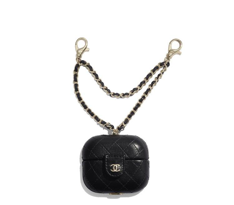 Chanel手機配件系列太嗆!iPhone殼、耳機套到手機包,比你的手機更有收藏價值-4