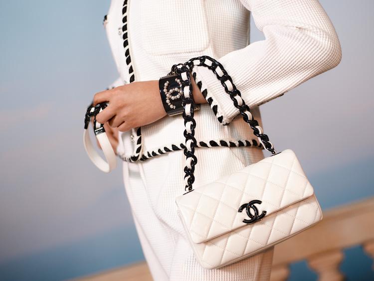 Chanel 2021度假系列包款美得打架!奶霜白到珊瑚色,夢幻逸品清單越來越長!-0