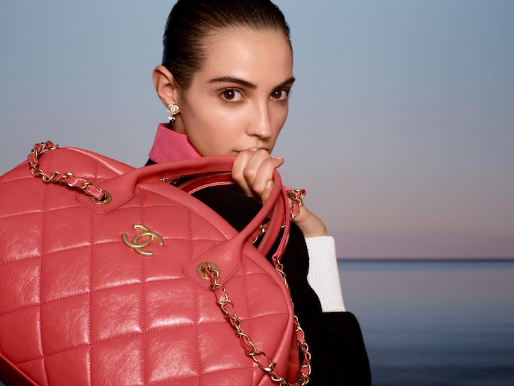 Chanel 2021度假系列包款美得打架!奶霜白到珊瑚色,夢幻逸品清單越來越長!-6