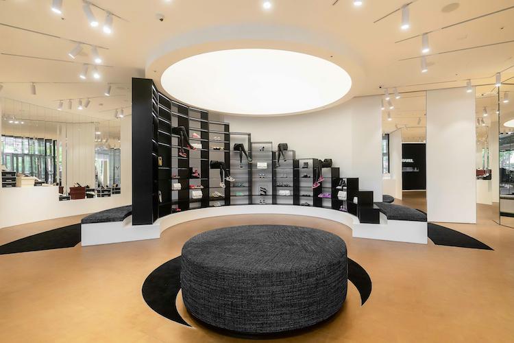 Chanel全球首間鞋店在台灣!還原巴黎康朋街鏡梯設計,灰姑娘終於找到歸屬地-3
