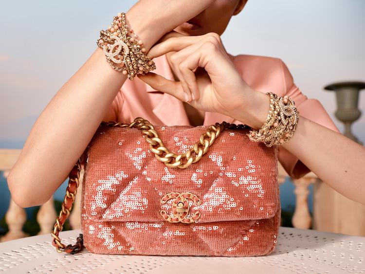 Chanel 2021度假系列包款美得打架!奶霜白到珊瑚色,夢幻逸品清單越來越長!-1