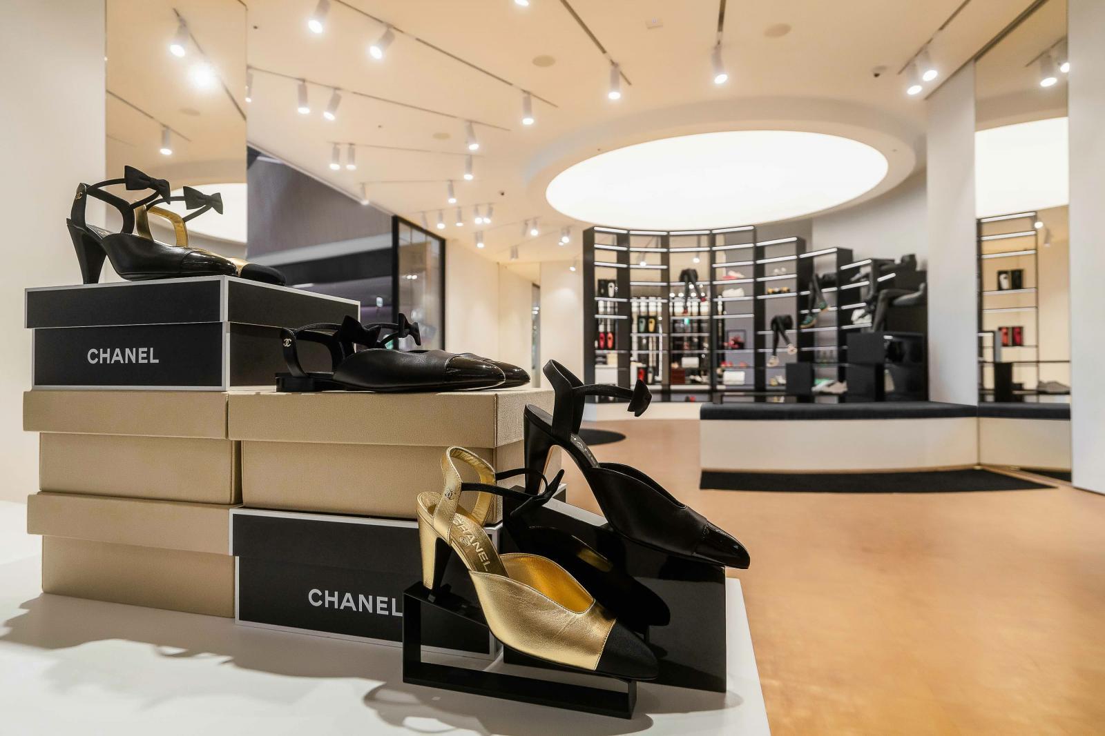 Chanel全球首間鞋店在台灣!還原巴黎康朋街鏡梯設計,灰姑娘終於找到歸屬地-1