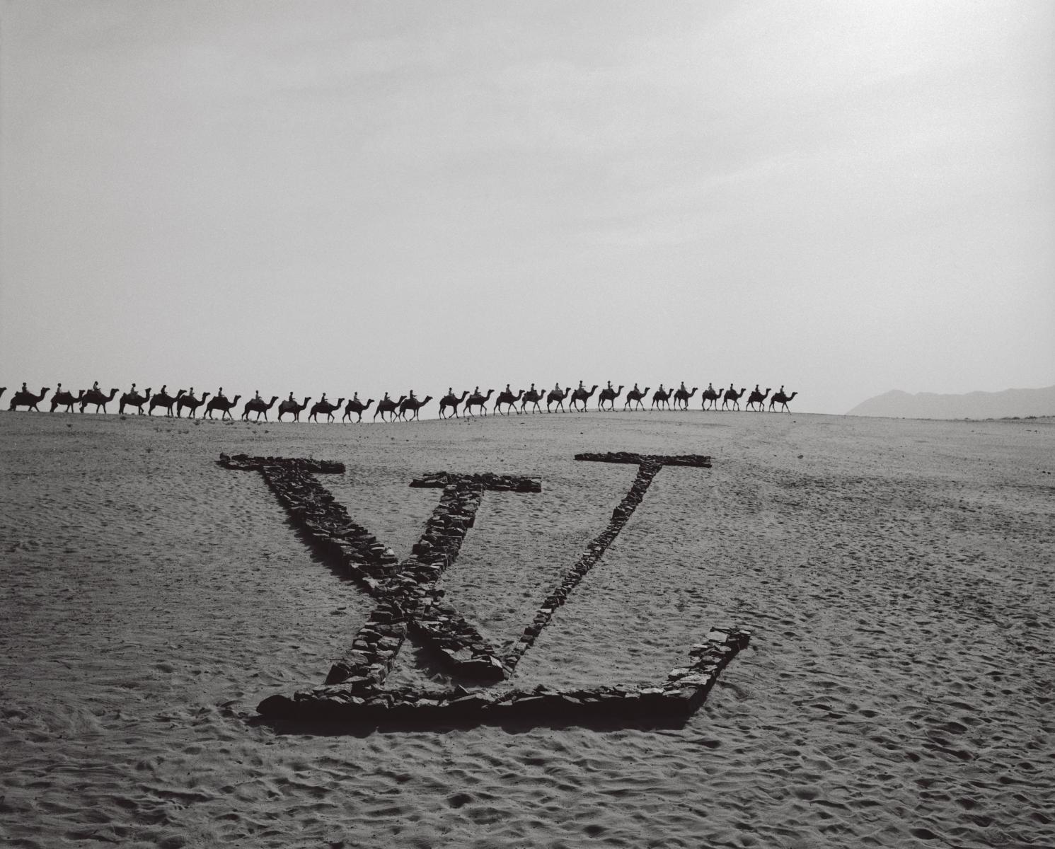 2020年IG最夯Hashtag「#Throwback」出爐!LV靠40年前舊廣告,告訴你疫情結束後該去哪旅行?-2
