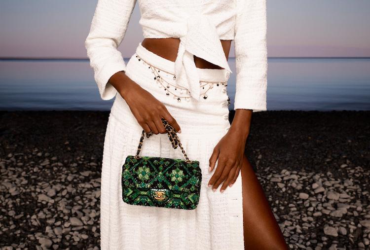 Chanel 2021度假系列包款美得打架!奶霜白到珊瑚色,夢幻逸品清單越來越長!-4