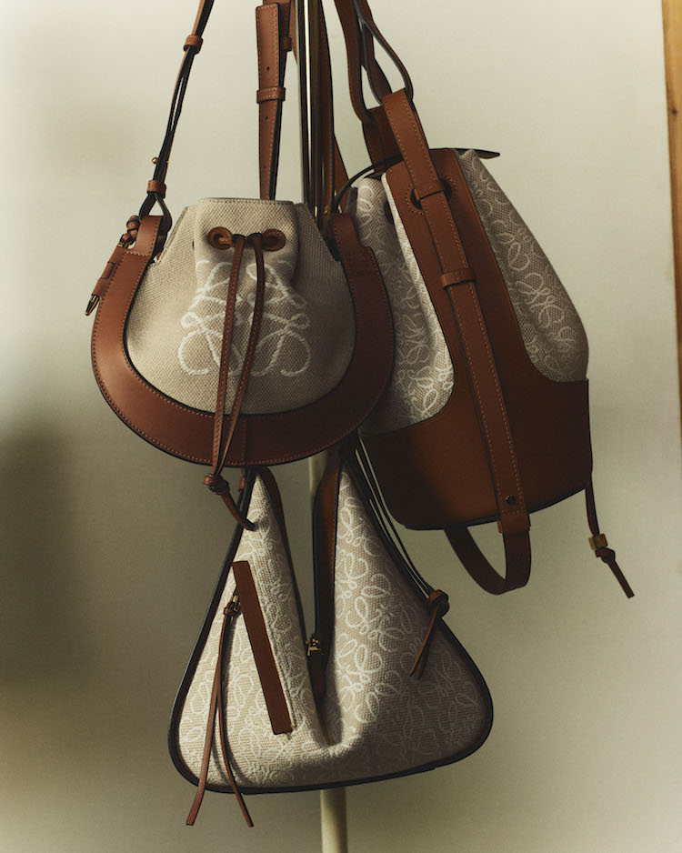 Loewe包包推薦「老花」!50週年推出緹花新系列,狂賣氣球包、吊床包全都換上新裝-2